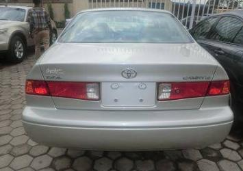 Very clean Toyota Camry 2.2for sale 4