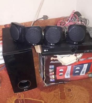 Fairly used LG Mini DVD home theatre 2