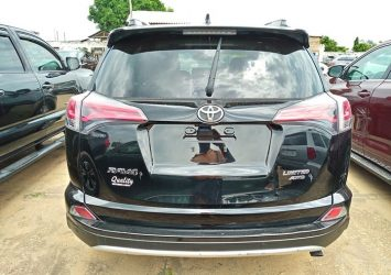 NEW ARRIVAL TOYOTA RAV4 LIMITED 4