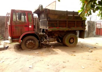 We buy Scrap trucks and trailers 11