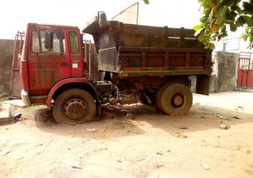 We buy Scrap trucks and trailers 2
