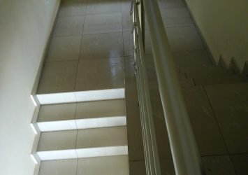 3 bedroom terrace duplex upstairs with BQ 7