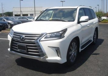 PERFECTLY USED 2016 LEXUS LX 570 SUV Gulf Specs FOR SALE 12
