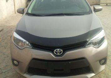 2014 Toyota Corolla LE 27