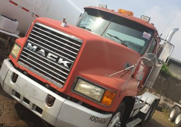 NEW ARRIVAL 1994 MACK TRUCKS AMERICAN USED 10 TYRES 3