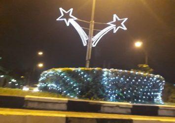 CHRISTMAS LIGHTING AND FITTINGS 12