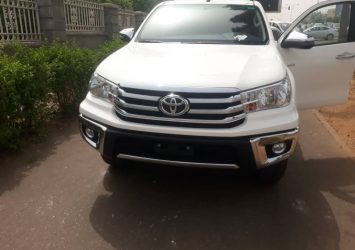Tear rubber toyota hilux 2019 available for sale in Abuja 15